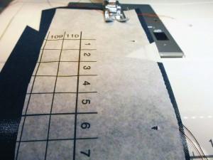 Wachstuch nähen - Papier unterlegen